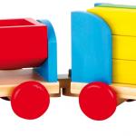 Houten trein met speelblokken